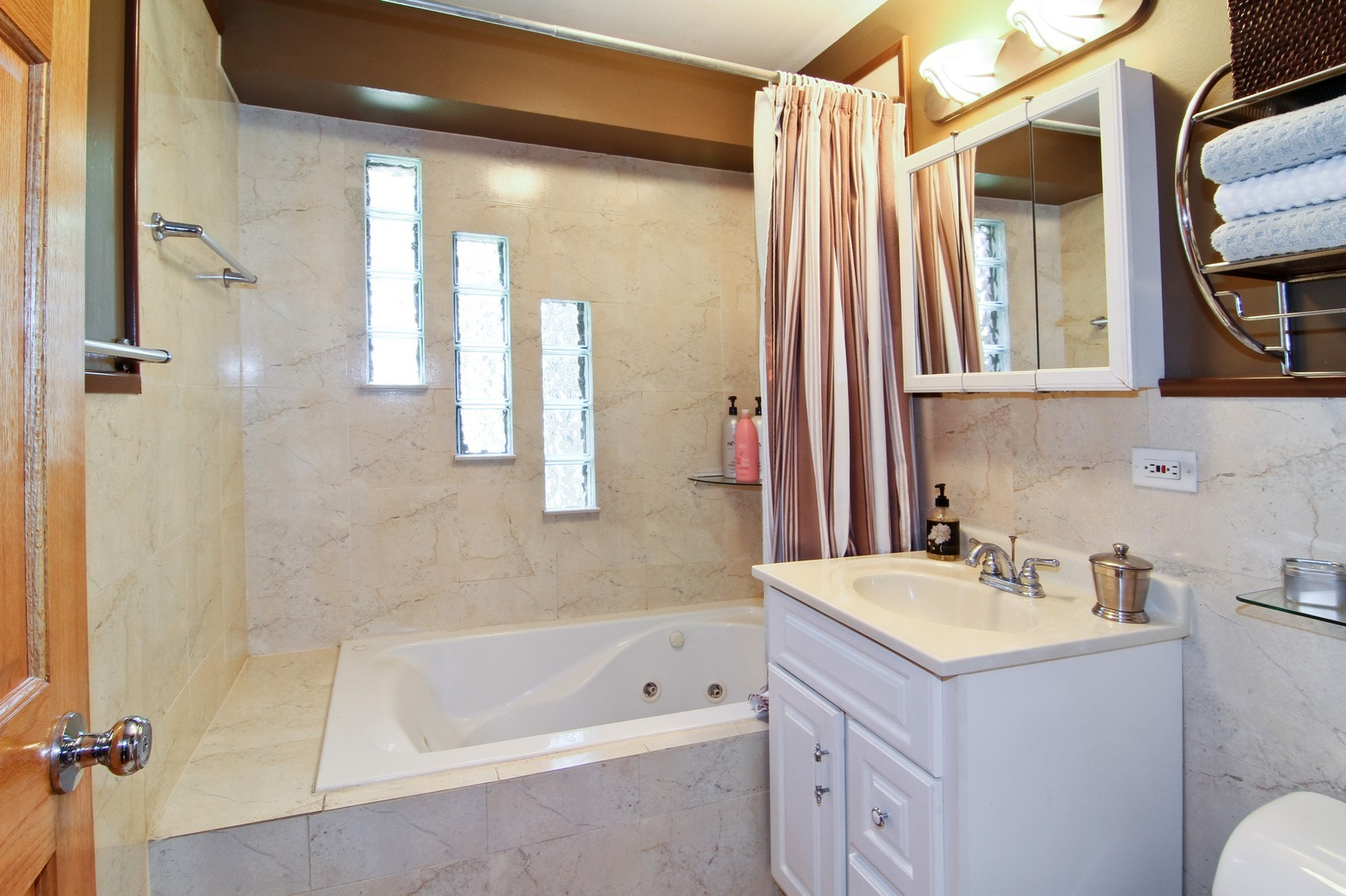 Real Estate Photography - 7760 W 82nd St, Bridgeview, IL, 60455 - Bathroom