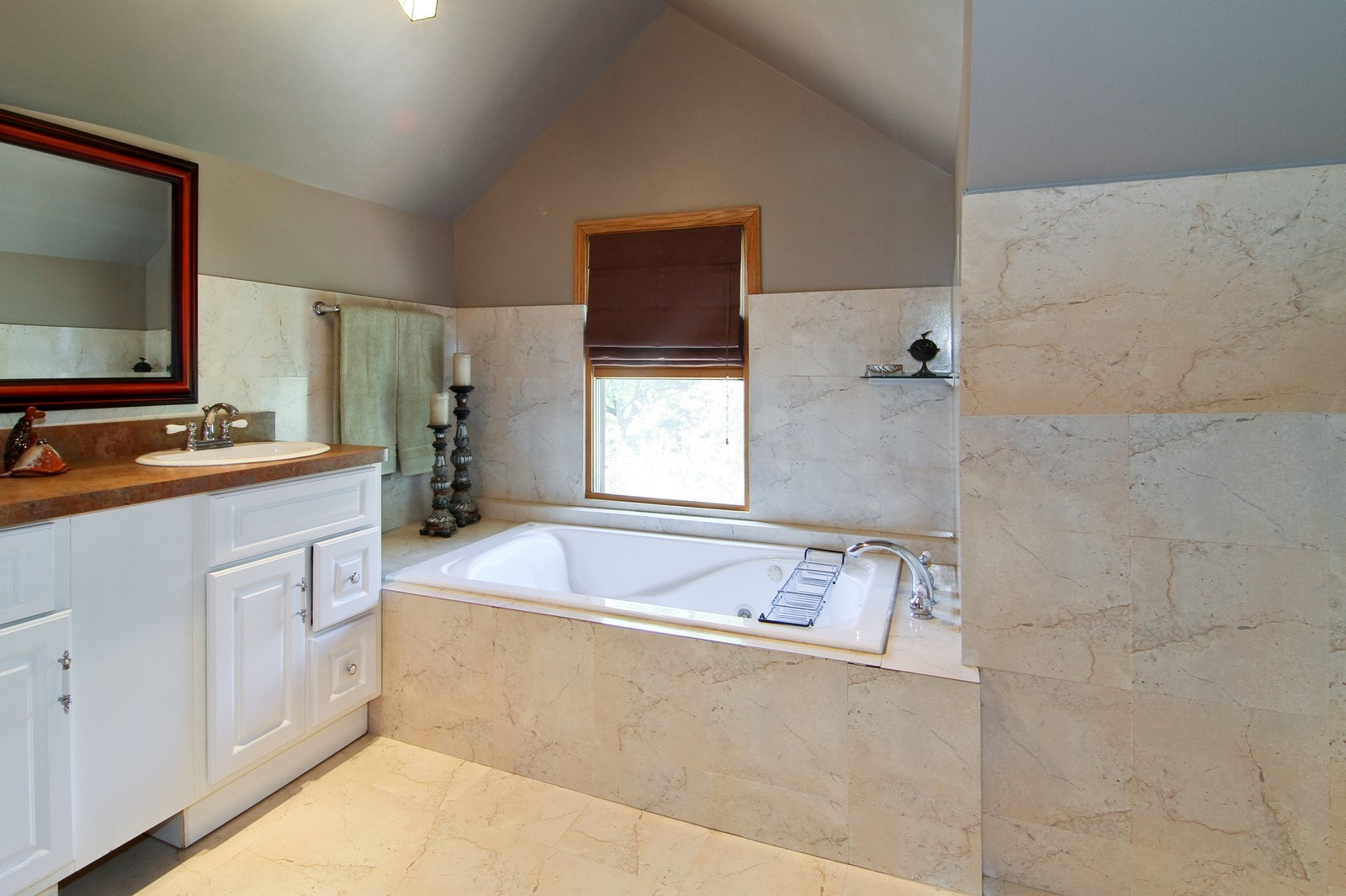 Real Estate Photography - 7760 W 82nd St, Bridgeview, IL, 60455 - 2nd Bathroom