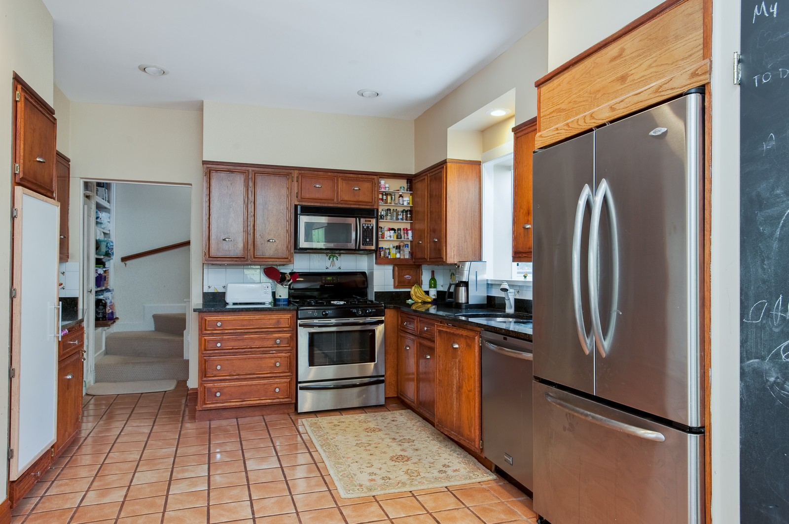 Real Estate Photography - 245 Cumnor, Kenilworth, IL, 60043 - Kitchen