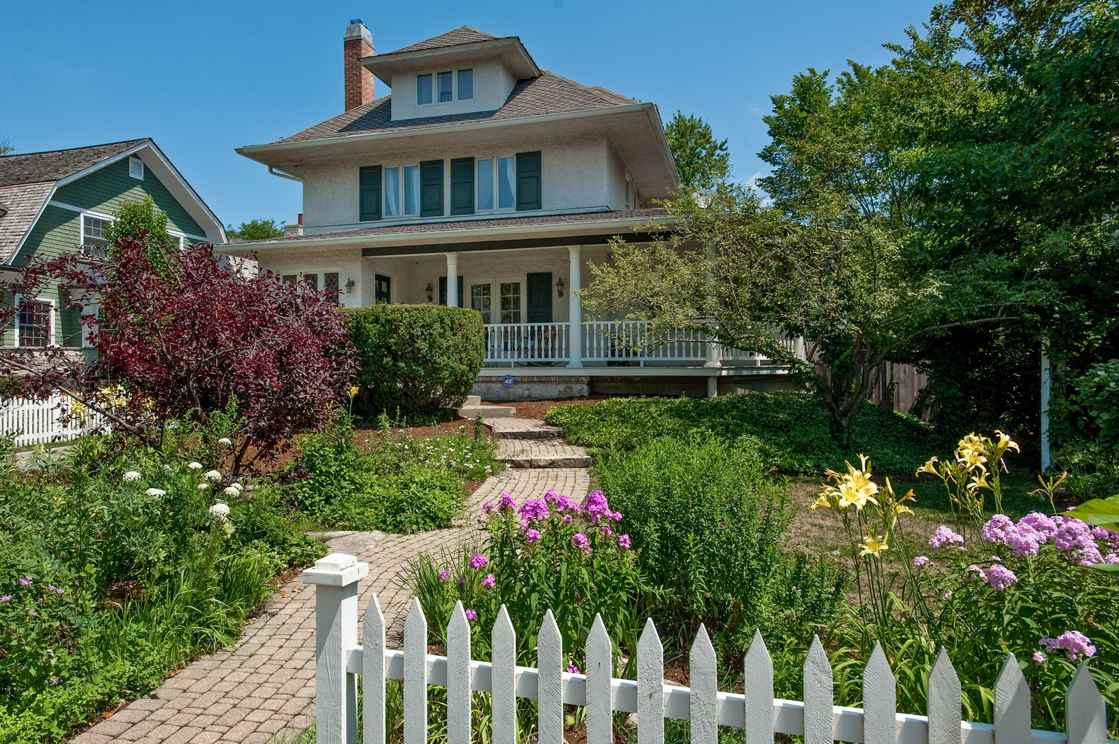Real Estate Photography - 245 Cumnor, Kenilworth, IL, 60043 - Front View