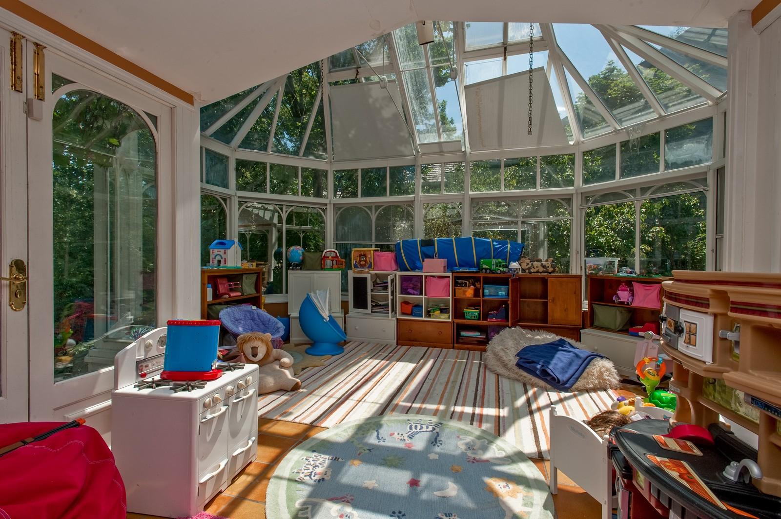 Real Estate Photography - 245 Cumnor, Kenilworth, IL, 60043 - Sun Room