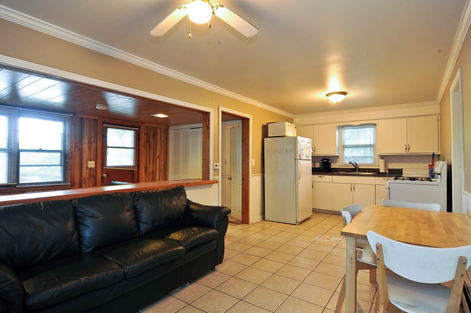 Real Estate Photography - 23250 Florian Dr, Wilmington, IL, 60481 - Kitchen/Living Room (2nd residence)