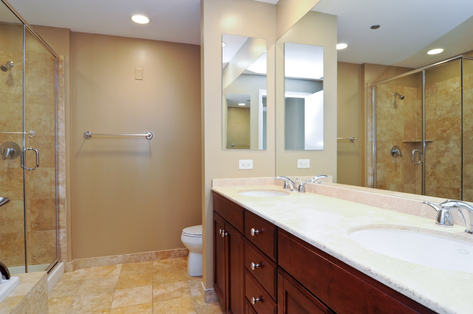 Real Estate Photography - 600 N Lake Shore Dr, Unit 2601, Chicago, IL, 60611 - Master Bathroom