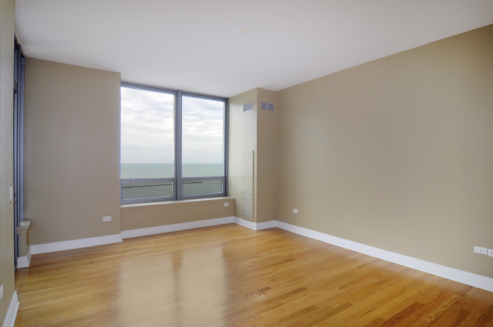 Real Estate Photography - 600 N Lake Shore Dr, Unit 2601, Chicago, IL, 60611 - Master Bedroom