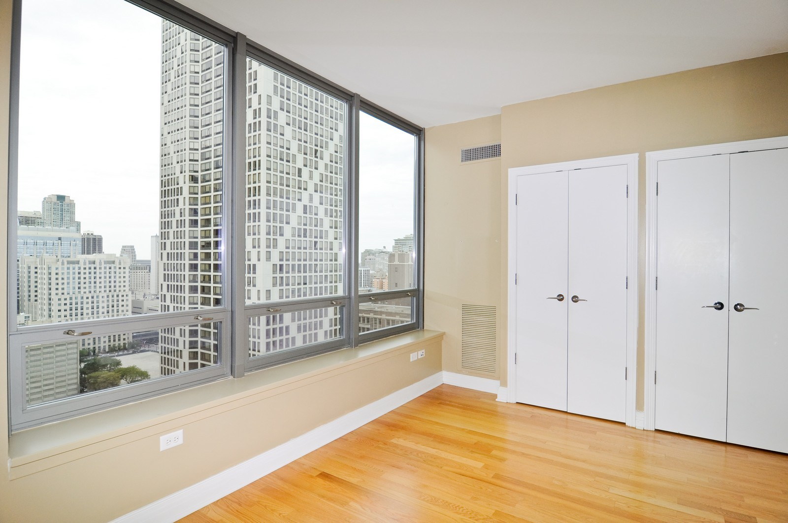 Real Estate Photography - 600 N Lake Shore Dr, Unit 2601, Chicago, IL, 60611 - Bedroom