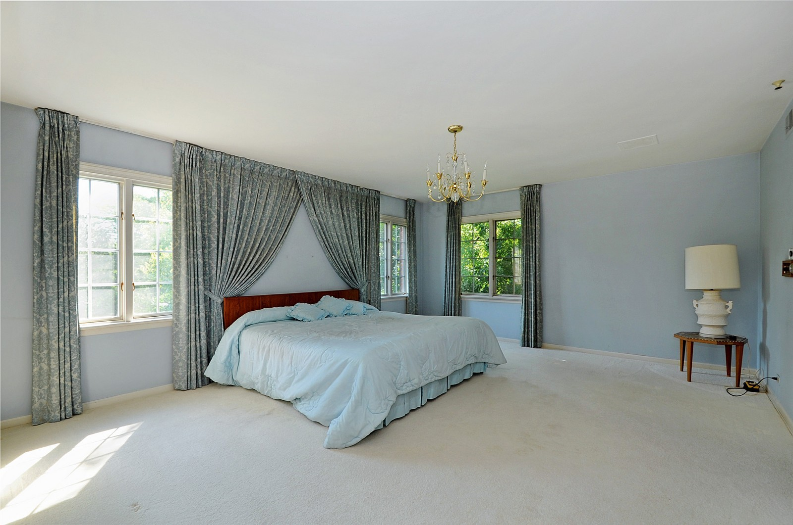Real Estate Photography - 430 Pebblebrook, Northfield, IL, 60093 - Master Bedroom