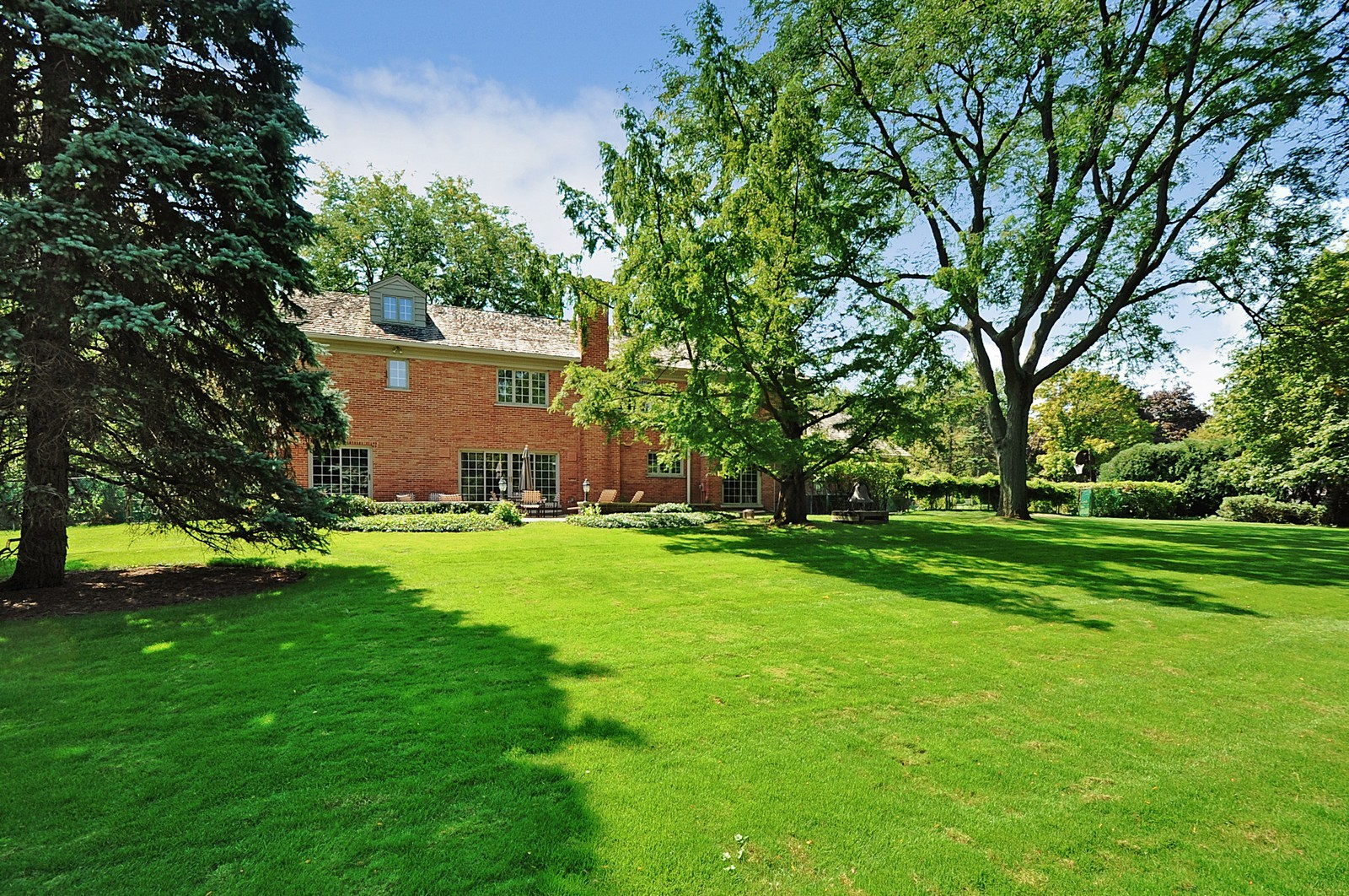 Real Estate Photography - 430 Pebblebrook, Northfield, IL, 60093 - Rear View