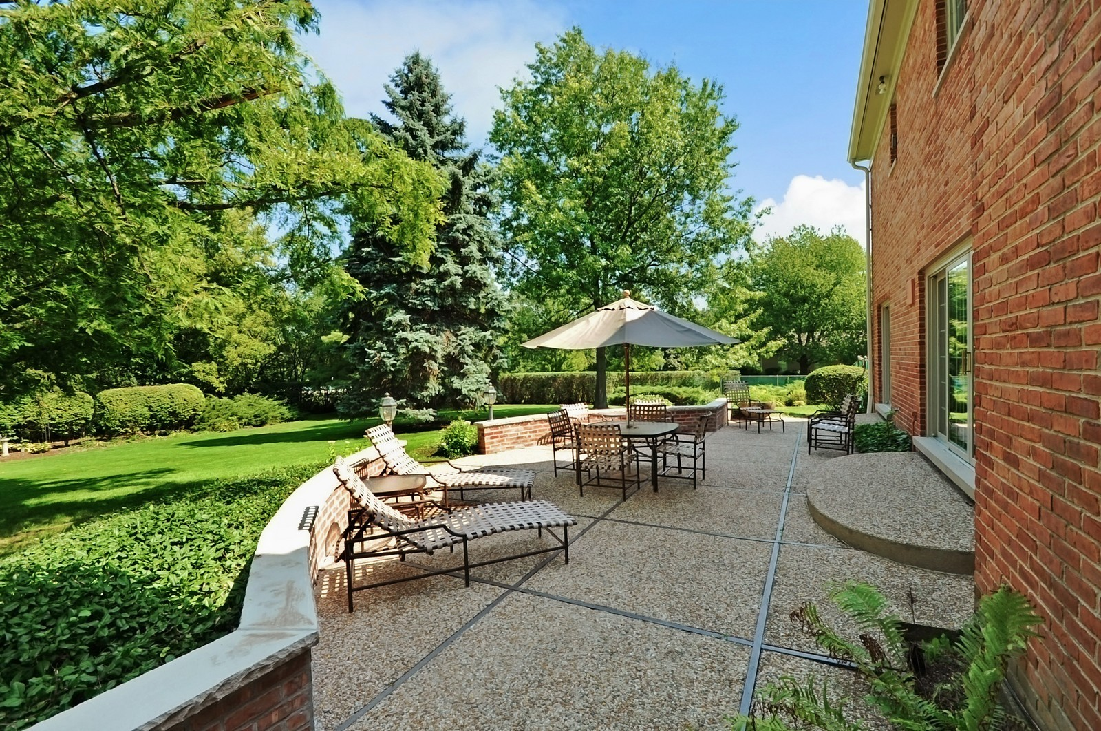 Real Estate Photography - 430 Pebblebrook, Northfield, IL, 60093 - Patio