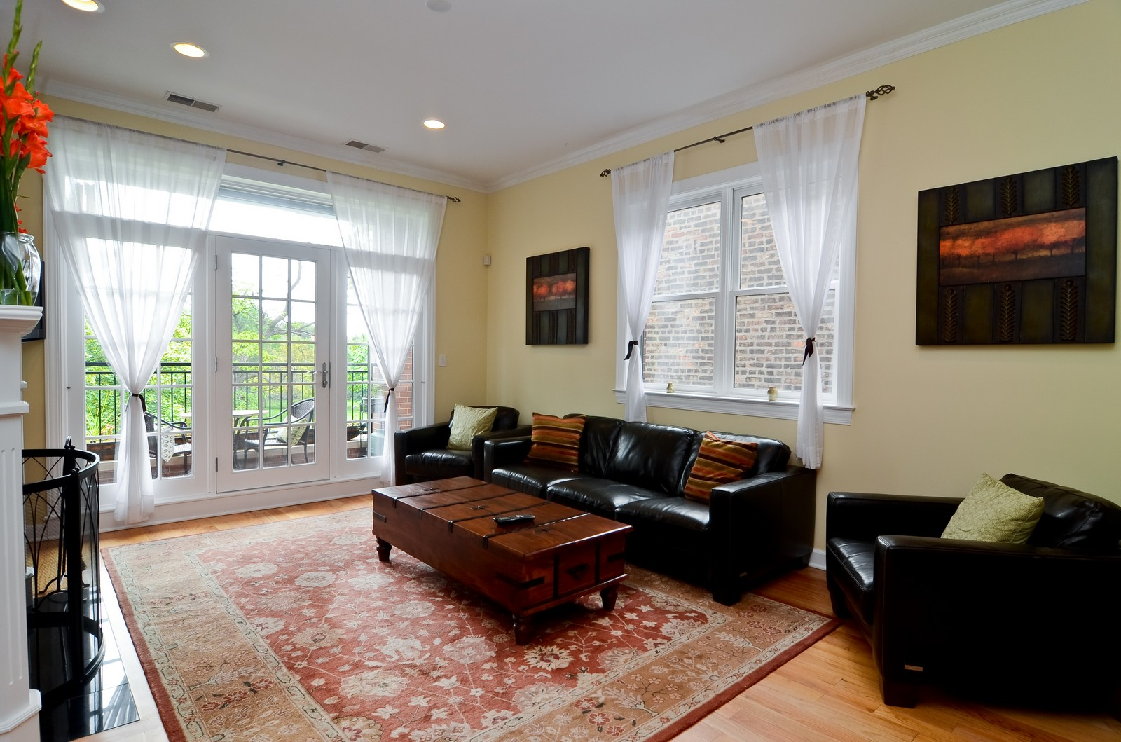 Real Estate Photography - 2068 N Humboldt Blvd, Unit 2, Chicago, IL, 60647 - Living Room