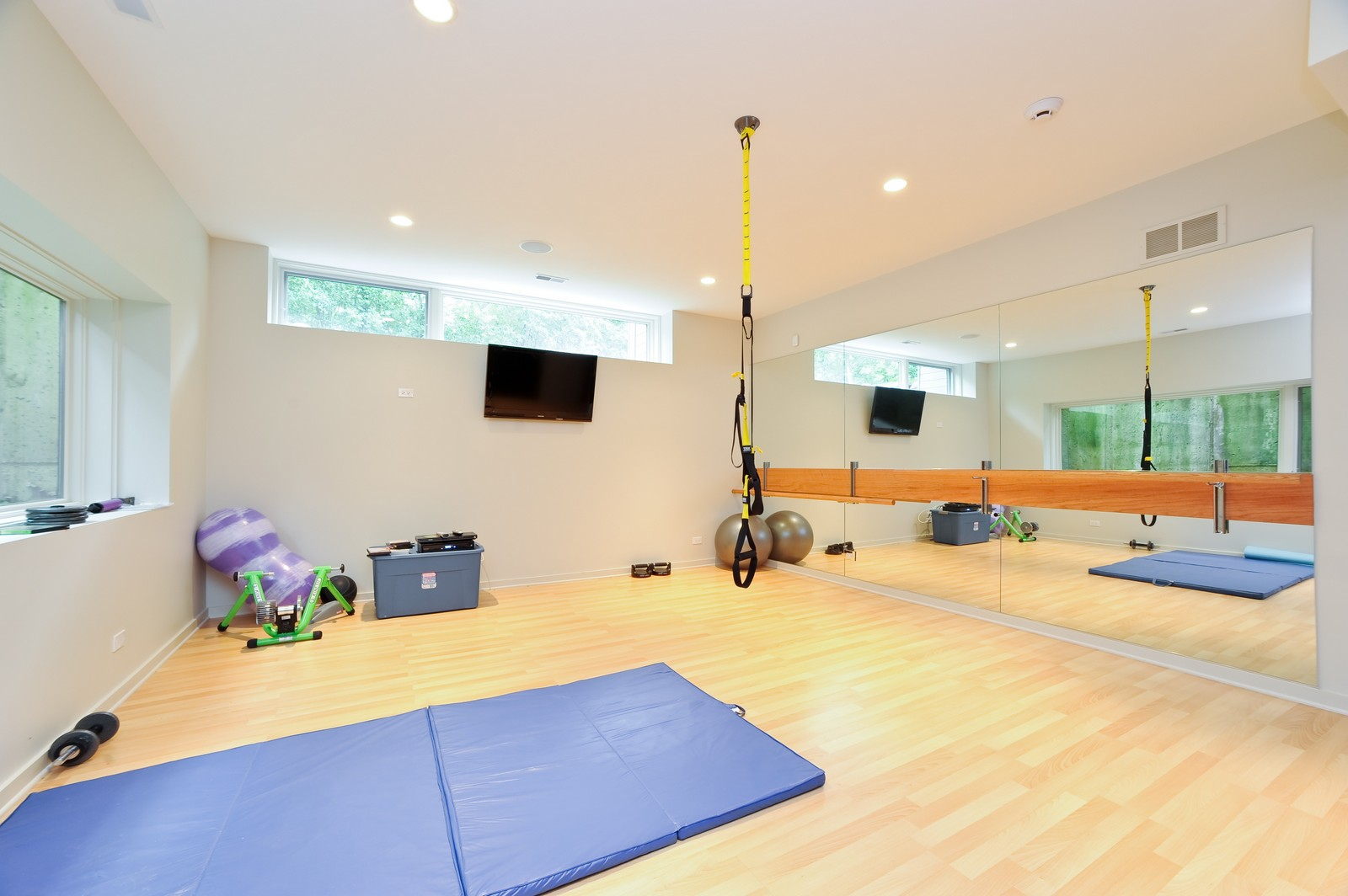 Real Estate Photography - 48 Valley Rd, Highland Park, IL, 60035 - Fitness Room