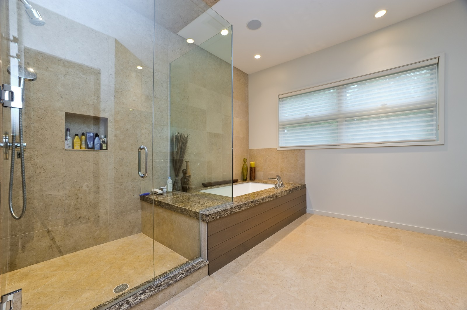 Real Estate Photography - 48 Valley Rd, Highland Park, IL, 60035 - 2nd Bathroom