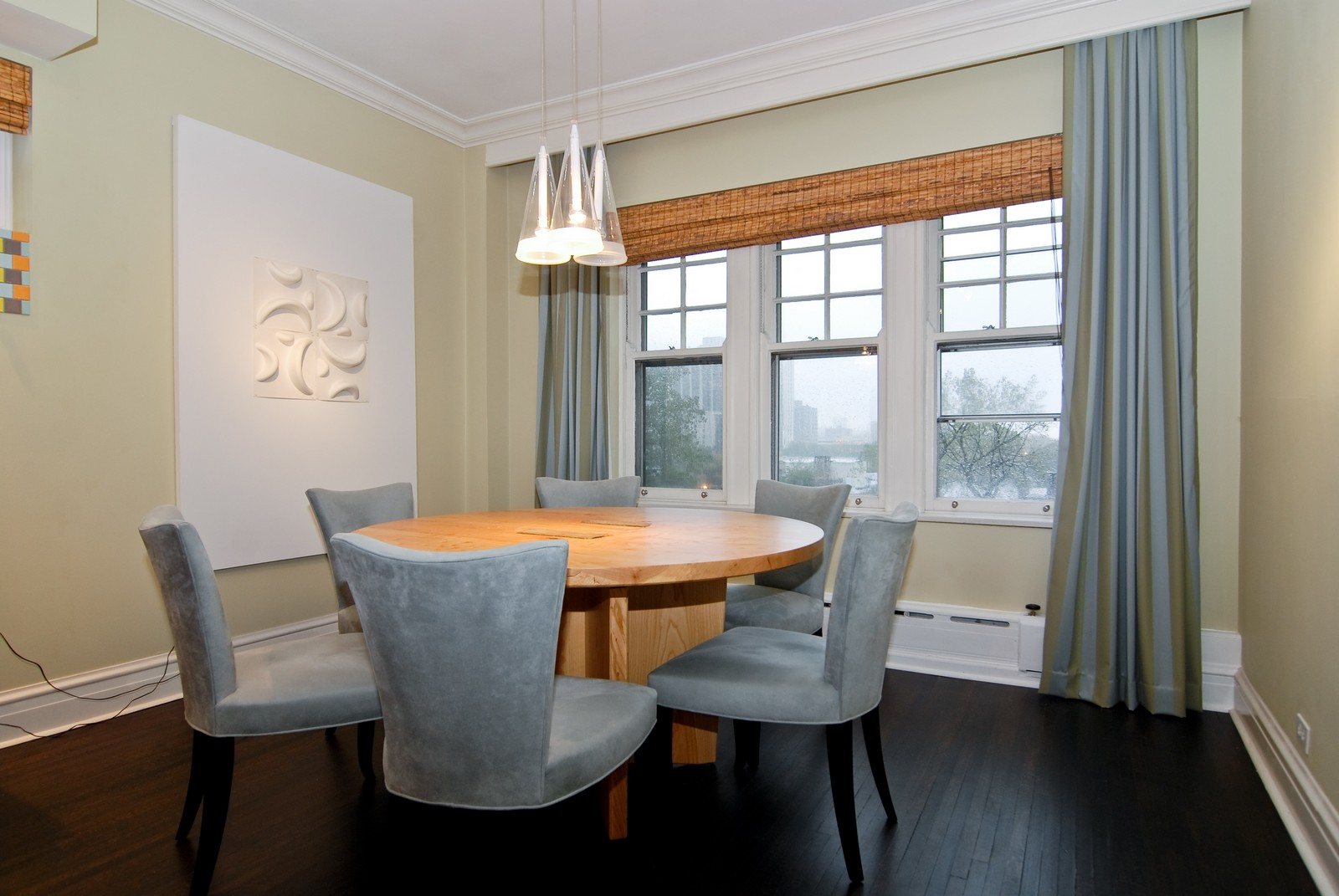 Real Estate Photography - 707 W. Junior Terrace, 6N, Chicago, IL, 60613 - Dining Room