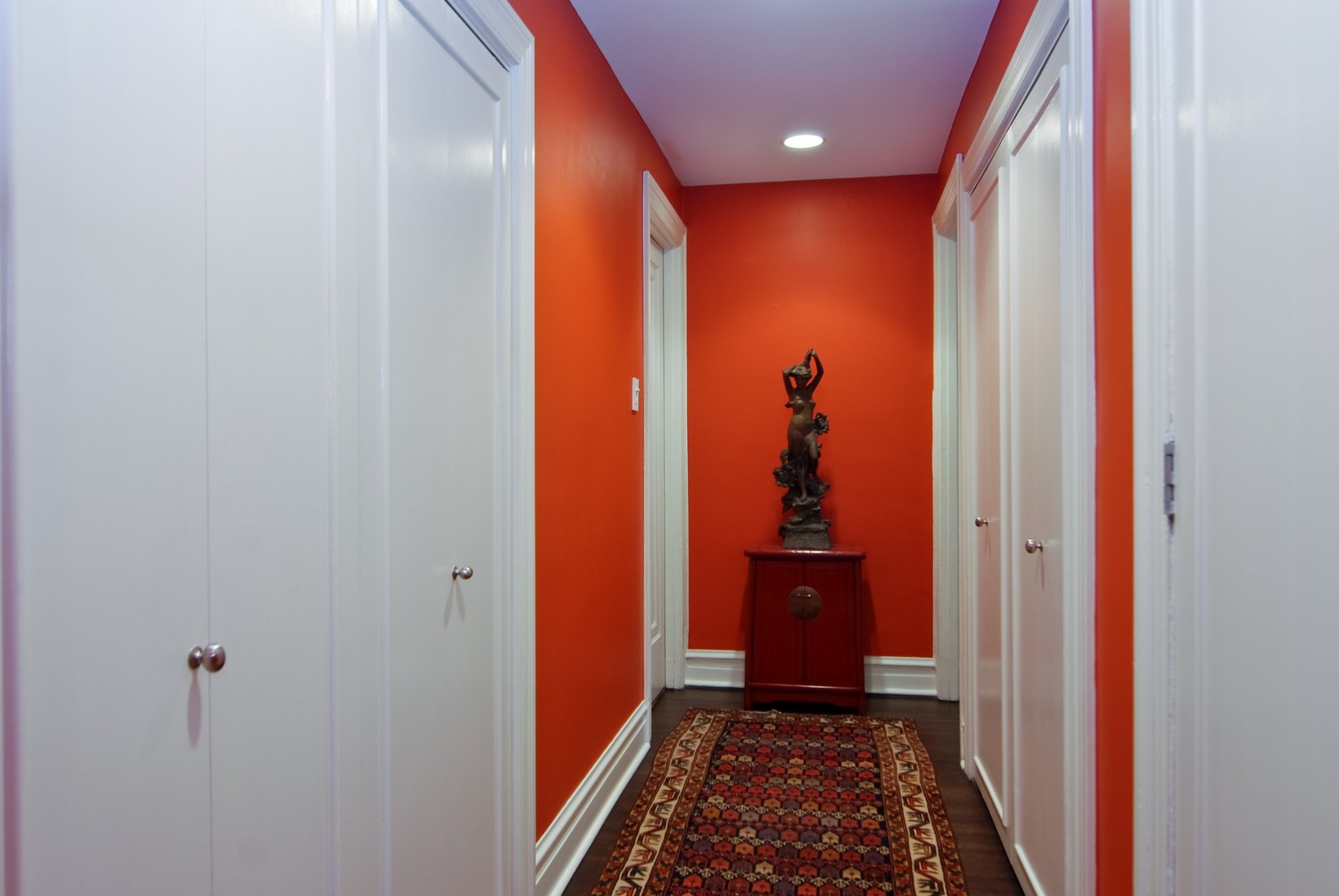 Real Estate Photography - 707 W. Junior Terrace, 6N, Chicago, IL, 60613 - Hallway