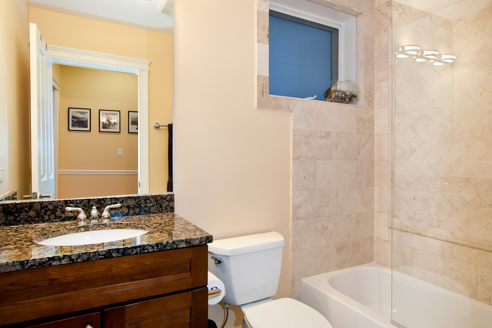 Real Estate Photography - 536 W Oakdale, 1, Chicago, IL, 60657 - Master Bathroom