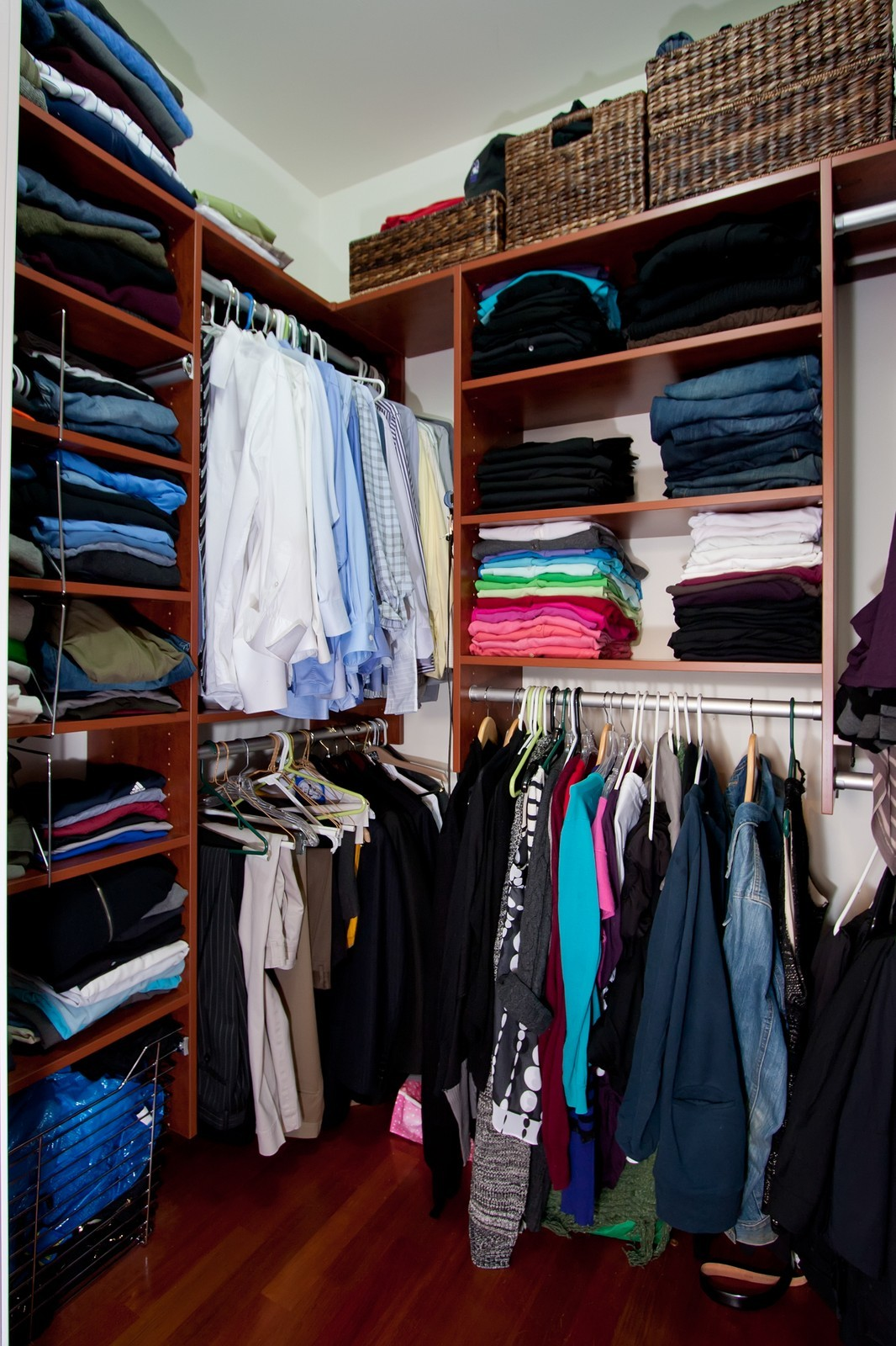 Real Estate Photography - 536 W Oakdale, 1, Chicago, IL, 60657 - Closet