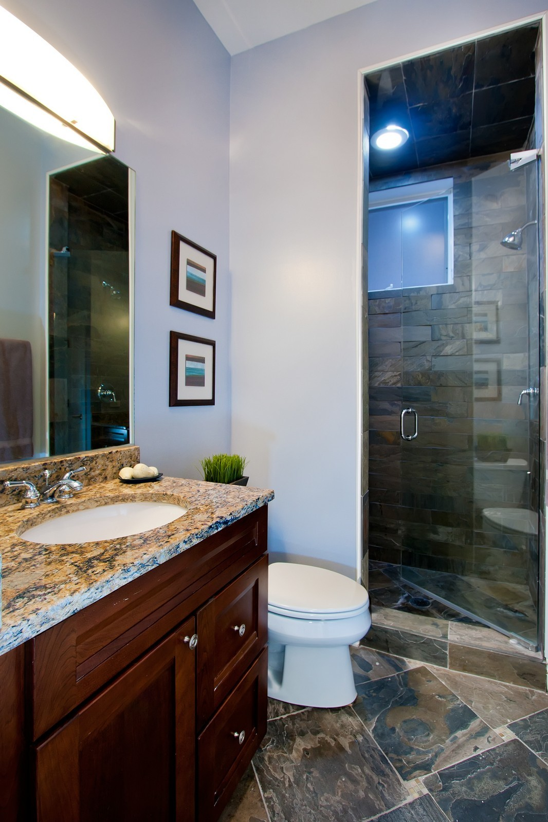 Real Estate Photography - 536 W Oakdale, 1, Chicago, IL, 60657 - 2nd Bathroom