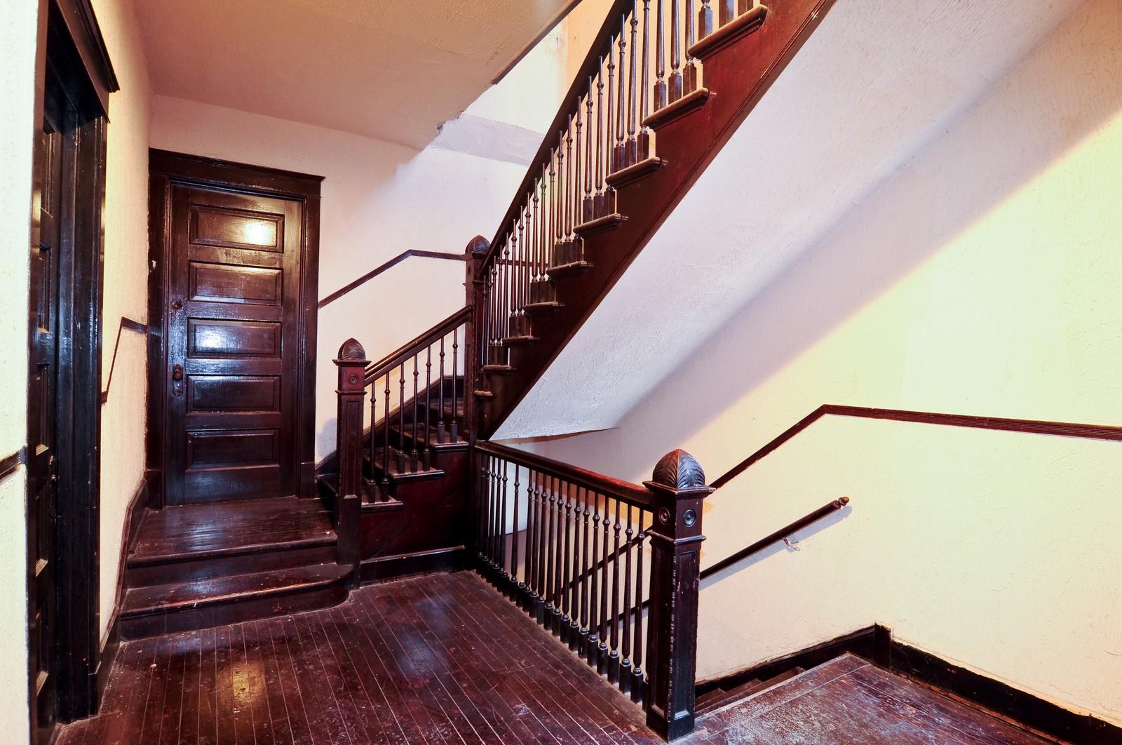 Real Estate Photography - 4419 W Jackson, Chicago, IL, 60624 - Hallway