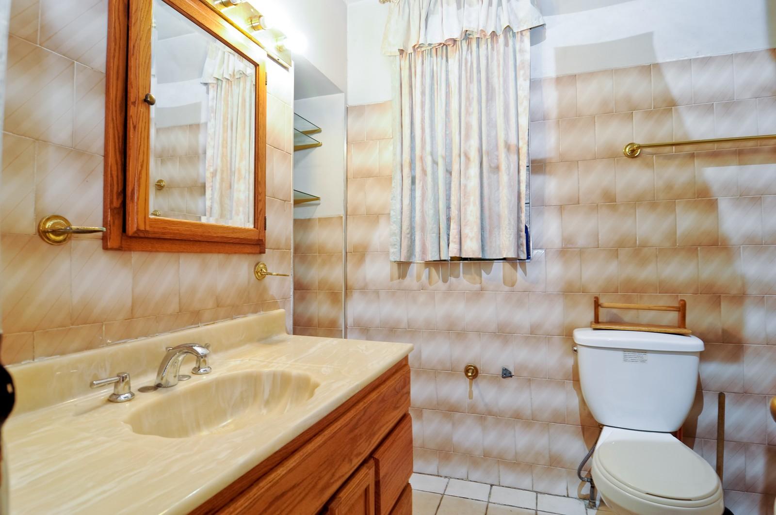 Real Estate Photography - 4419 W Jackson, Chicago, IL, 60624 - Bathroom