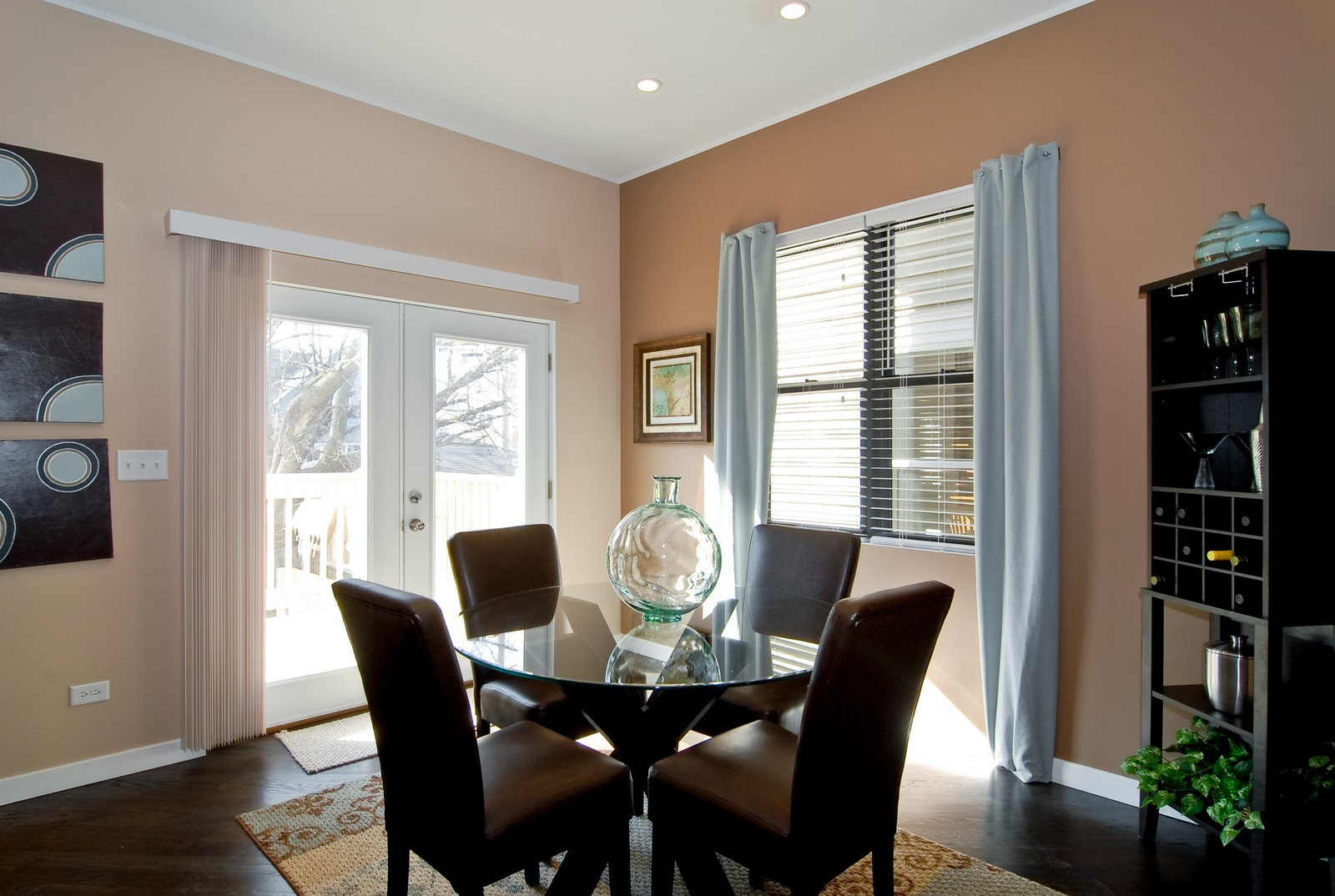 Real Estate Photography - 1738 N. Troy, Chicago, IL, 60647 - Breakfast Area