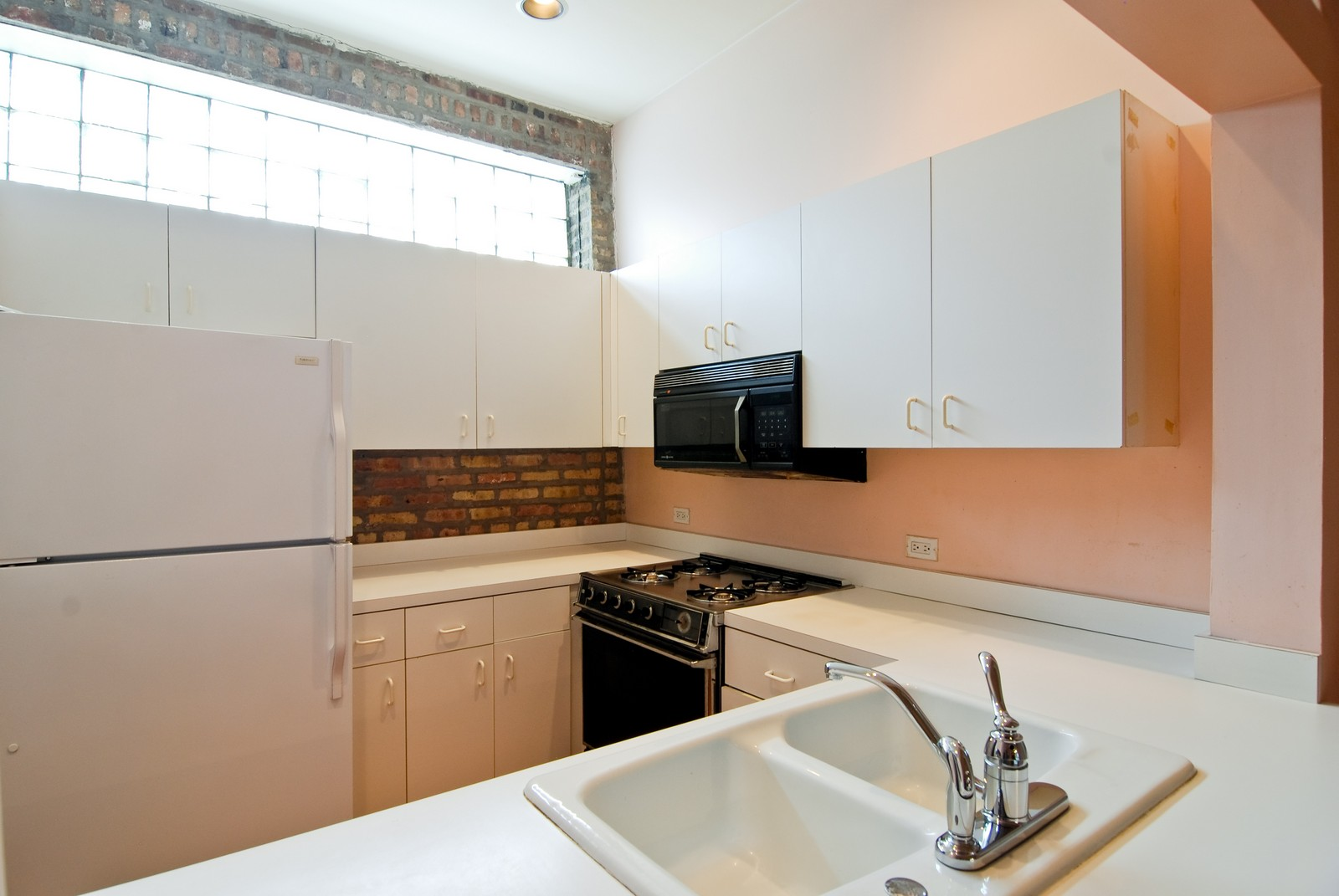Real Estate Photography - 811 W. Webster, C, Chicago, IL, 60614 - Kitchen