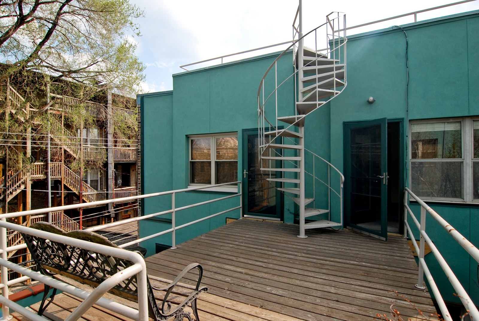 Real Estate Photography - 811 W. Webster, C, Chicago, IL, 60614 - Deck