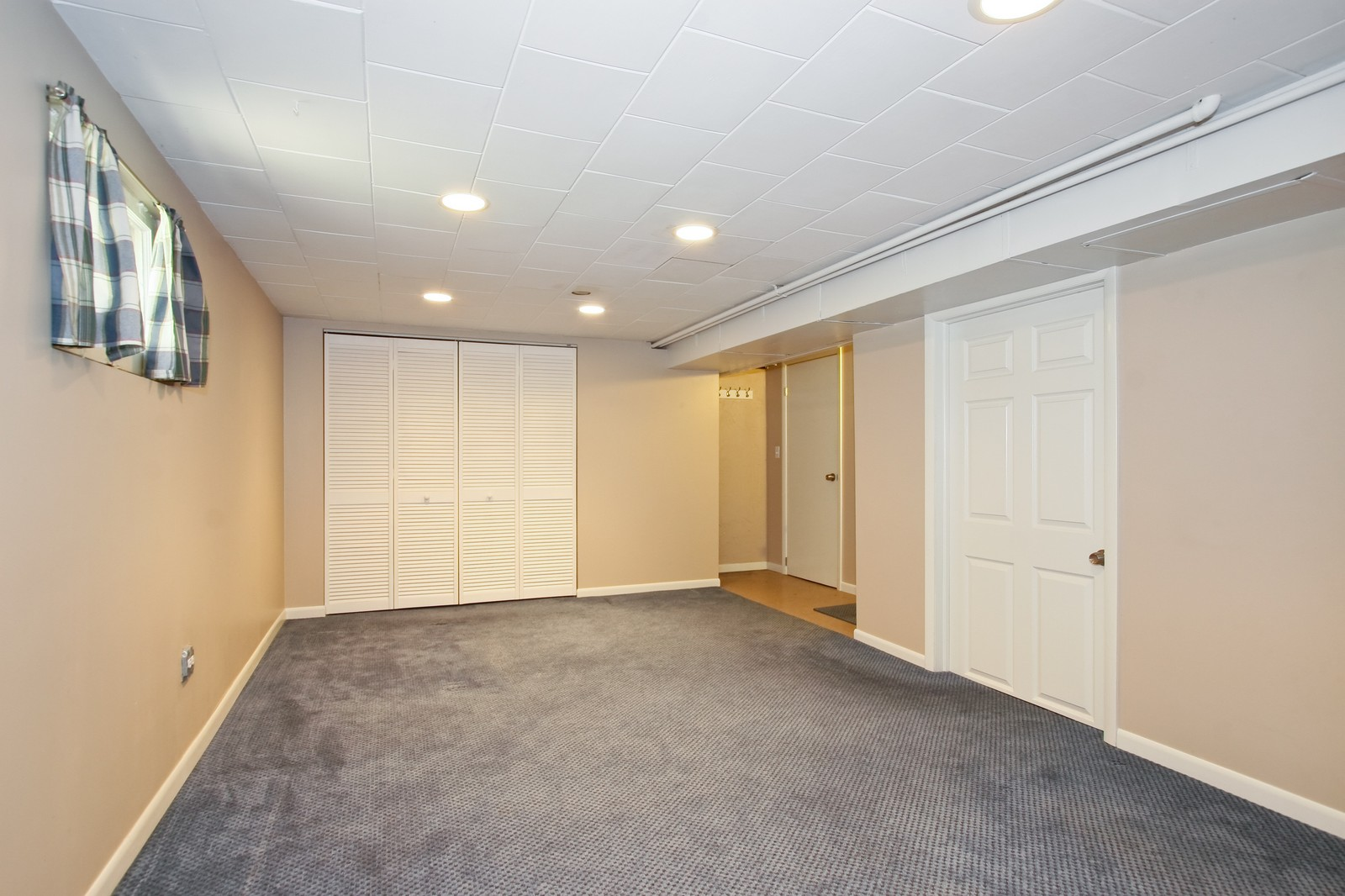 Real Estate Photography - 11246 S Avenue L, Chicago, IL, 60617 - Basement