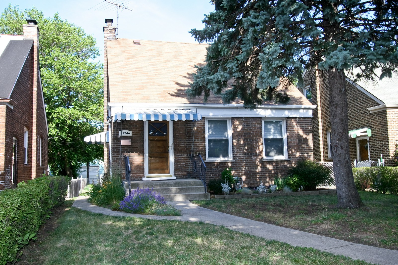 Real Estate Photography - 11246 S Avenue L, Chicago, IL, 60617 - Front View