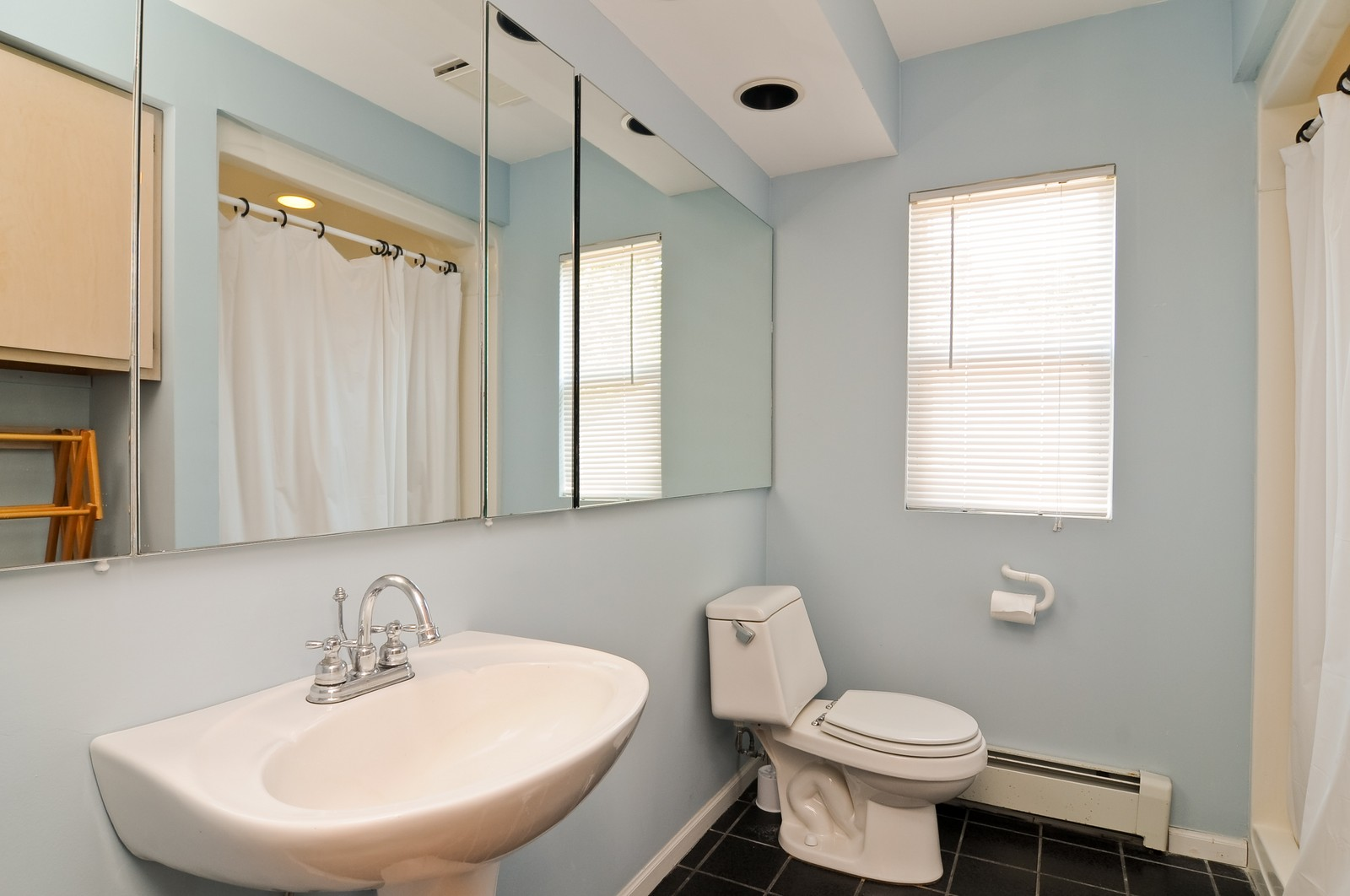 Real Estate Photography - 16 S. Pistakee Lake, Fox Lake, IL, 60020 - Main Level Bathroom