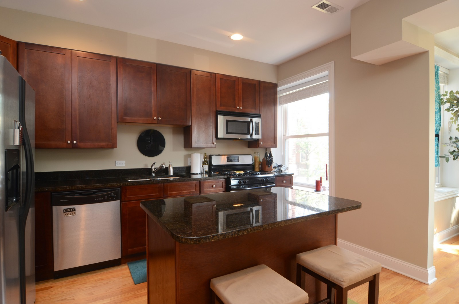 Real Estate Photography - 3516 W. Leland Ave, 1, Chicago, IL, 60625 - Kitchen