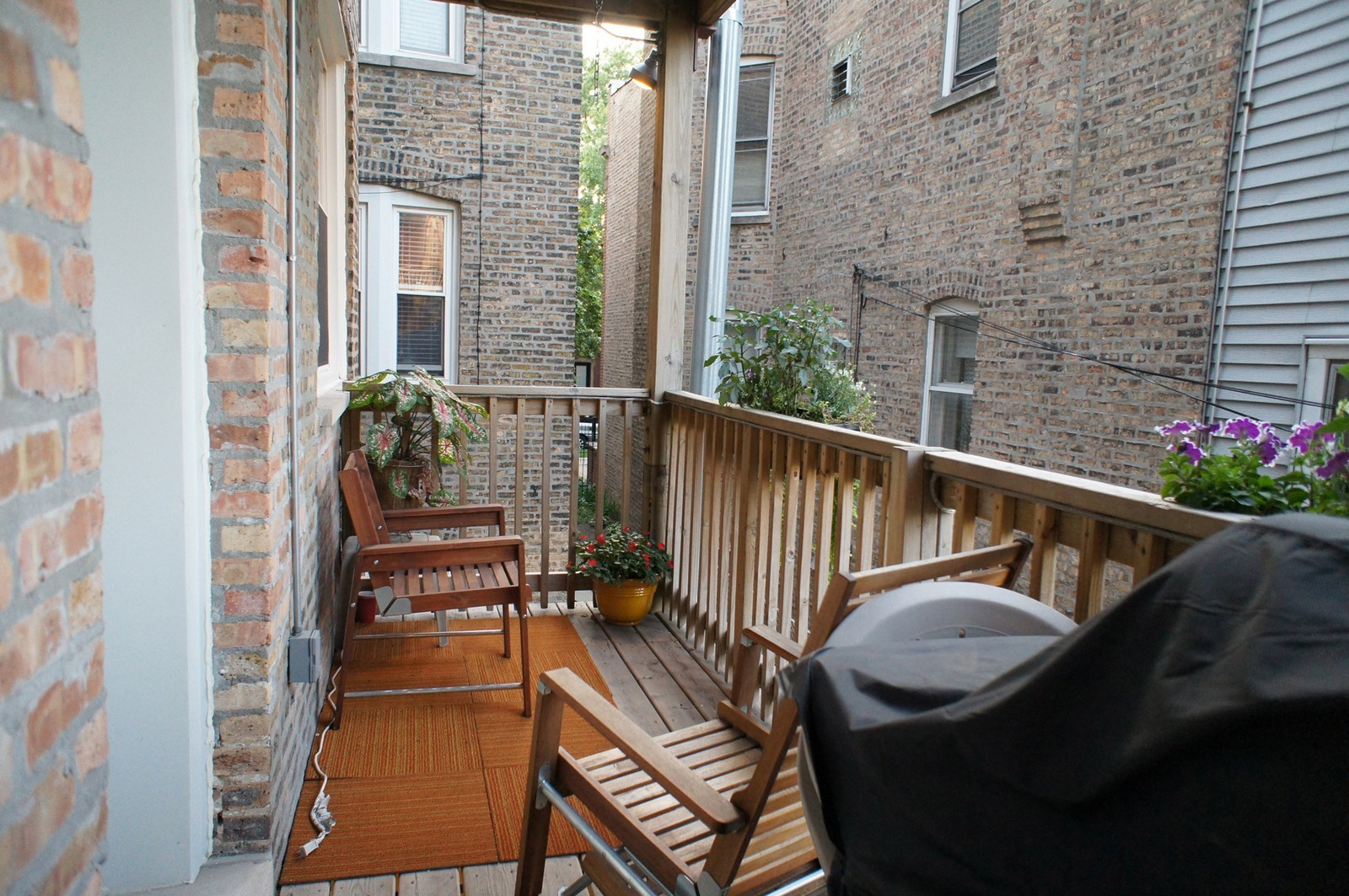 Real Estate Photography - 3516 W. Leland Ave, 1, Chicago, IL, 60625 - Porch