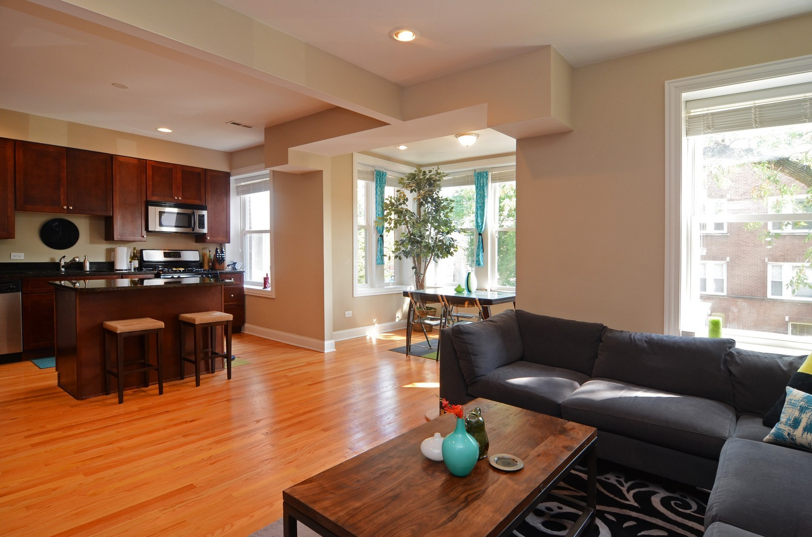 Real Estate Photography - 3516 W. Leland Ave, 1, Chicago, IL, 60625 - Kitchen / Living Room