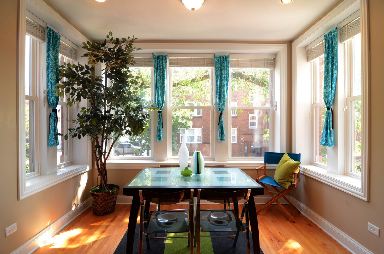 Real Estate Photography - 3516 W. Leland Ave, 1, Chicago, IL, 60625 - Sun Room