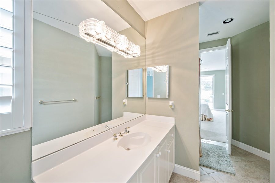 Real Estate Photography - 811 Ashburton Dr, Naples, FL, 34110 - 2nd Bathroom