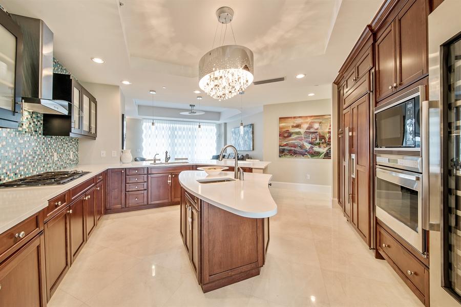 Real Estate Photography - 4851 Bonita Bay Blvd, Unit 702, Bonita Springs, FL, 34134 - Kitchen