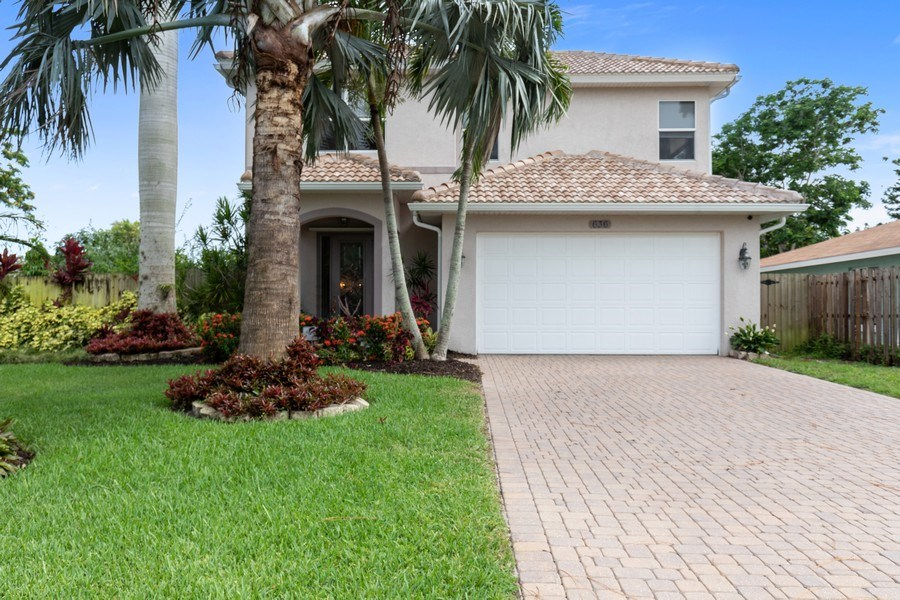 Real Estate Photography - 636 102nd Ave N, Naples, FL, 34108 - Front View