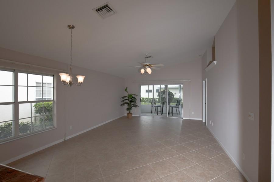 Real Estate Photography - 1603 Weybridge Circle, Naples, FL, 34110 - Great room