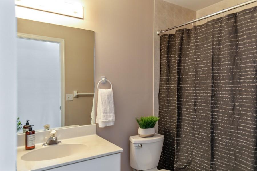 Real Estate Photography - 1603 Weybridge Circle, Naples, FL, 34110 - 2nd Bathroom