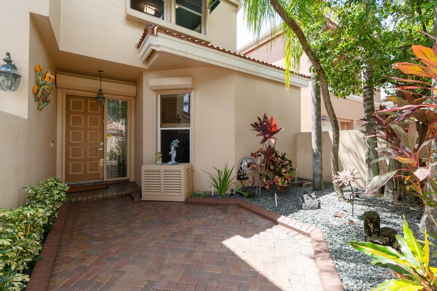 Real Estate Photography - 3750 NE 208 St, Aventura, FL, 33180 - Porch