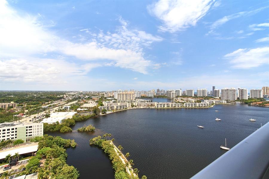 Real Estate Photography - 17301 Biscayne Blvd., LPH8, Aventura, FL, 33160 - Bay View