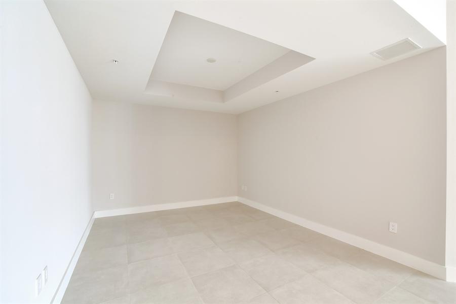 Real Estate Photography - 17301 Biscayne Blvd., LPH8, Aventura, FL, 33160 - Family Room