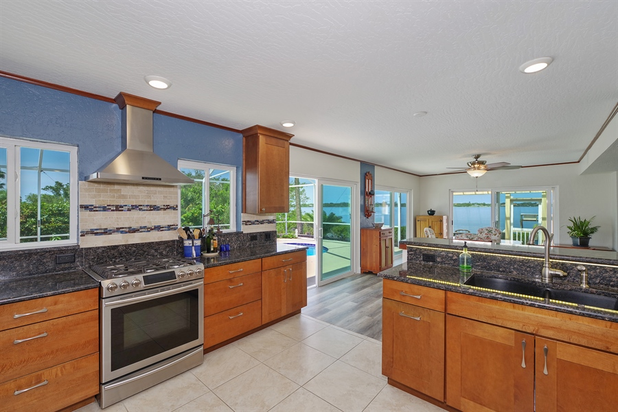 Real Estate Photography - 802 Loggerhead Island Dr., Satellite Beach, FL, 32937 - Kitchen