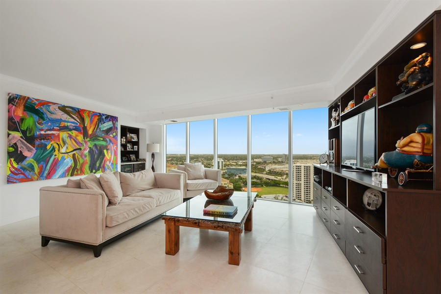 Real Estate Photography - 3370 Hidden Bay Dr., UPH 2706, Aventura, FL, 33180 - Living Room