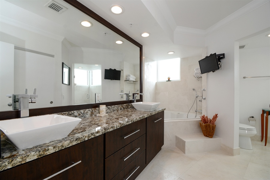 Real Estate Photography - 3370 Hidden Bay Dr., UPH 2706, Aventura, FL, 33180 - Master Bathroom