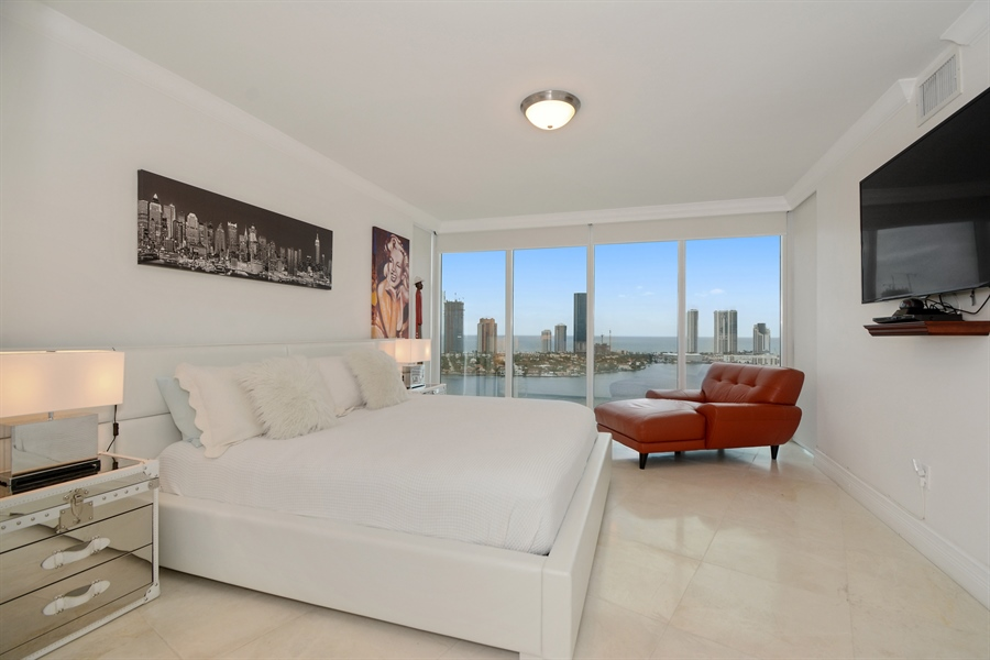 Real Estate Photography - 3370 Hidden Bay Dr., UPH 2706, Aventura, FL, 33180 - Master Bedroom