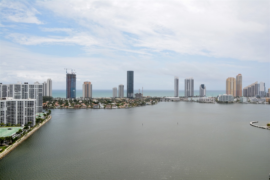 Real Estate Photography - 3370 Hidden Bay Dr., UPH 2706, Aventura, FL, 33180 - View