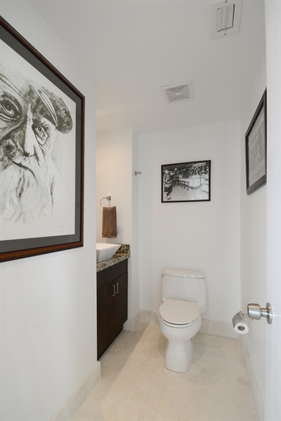 Real Estate Photography - 3370 Hidden Bay Dr., UPH 2706, Aventura, FL, 33180 - Half Bath
