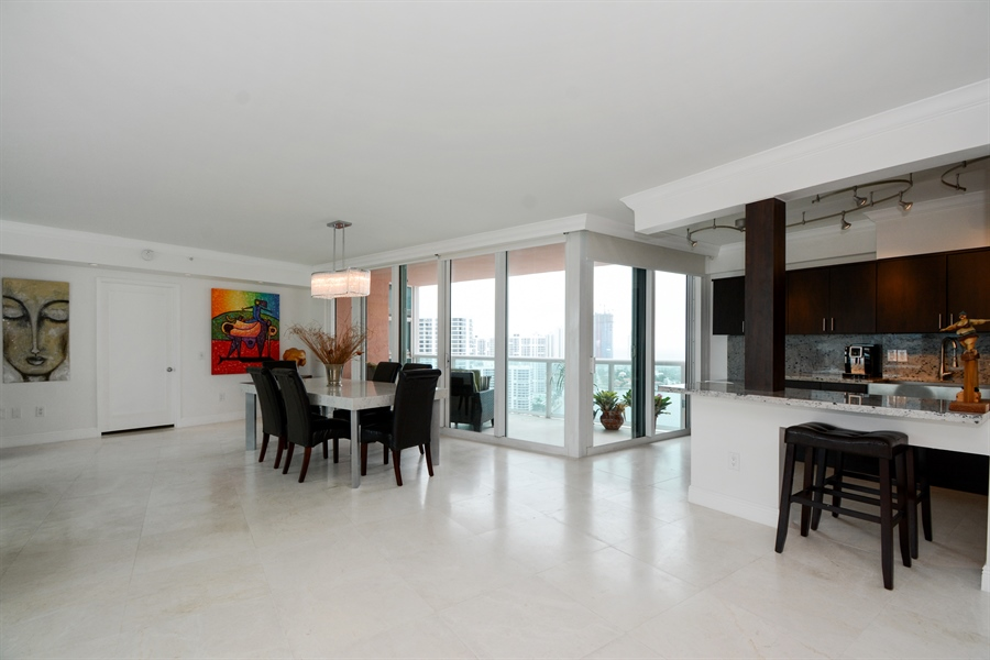 Real Estate Photography - 3370 Hidden Bay Dr., UPH 2706, Aventura, FL, 33180 - Kitchen / Dining Room