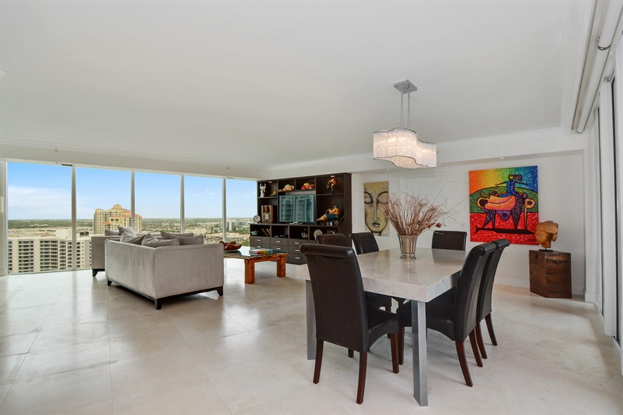 Real Estate Photography - 3370 Hidden Bay Dr., UPH 2706, Aventura, FL, 33180 - Living Room / Dining Room