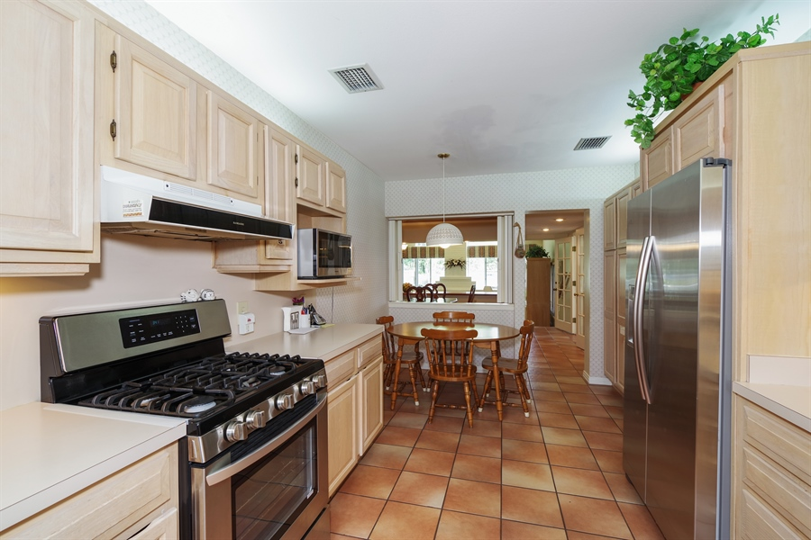 Real Estate Photography - 7001 Lake Drive, Belle Isle, FL, 32809 - Kitchen