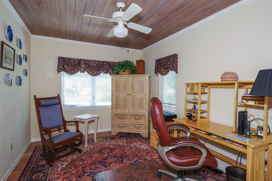 Real Estate Photography - 7001 Lake Drive, Belle Isle, FL, 32809 - Office